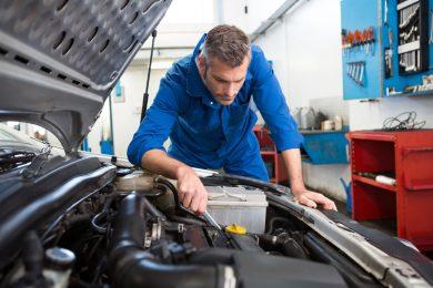 Officina meccanica a Roma | Auto di cortesia | Centro revisioni auto | Elettrauto | Carrozzeria