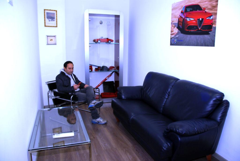 Autoparioli Officina meccanica con sala di attesa interna Roma