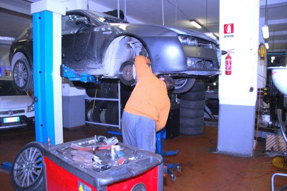 Autoparioli Officina riparazione auto Roma